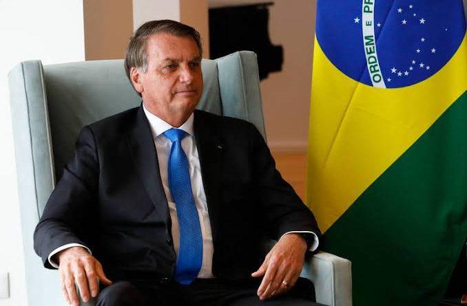 PTB apresenta proposta de filiação a Bolsonaro - Vista Pátria